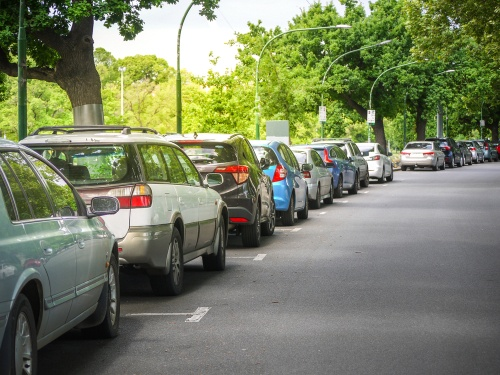dmagaing your car can be as easy as parking incorrectly like this line of cars